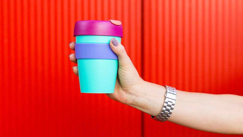Giving Customers Travel Accessories With Travel Ceramic Mugs